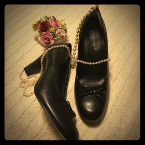 "Sz 7.5 W Classic Black pump w/ 3"" heel"